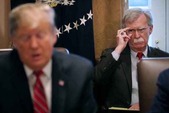 Nhà Trắng đe ông Bolton không được xuất bản sách chống ông Trump - Ảnh 1.