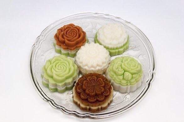 Người trẻ đam mê làm bánh trung thu handmade - Ảnh 3.