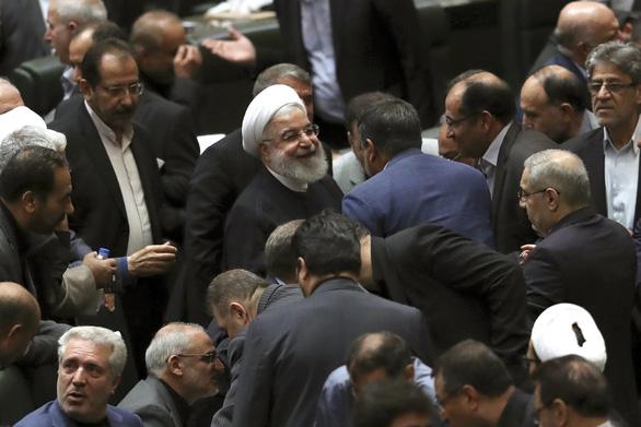 Tổng thống Iran: Mỹ nên gạt đi những kẻ hiếu chiến - Ảnh 1.
