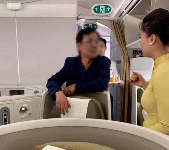 Phạt nhân viên an ninh hàng không xử lý chưa chuẩn vụ khách say sờ soạng phụ nữ - Ảnh 1.