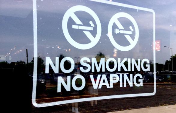 Mỹ sẽ sớm cấm thuốc lá điện tử - Ảnh 1.
