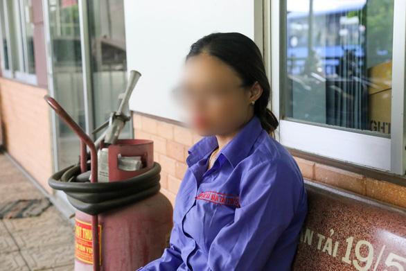 Nam hành khách quên mua vé, nữ tiếp viên xe buýt suýt bị đuổi việc - Ảnh 1.