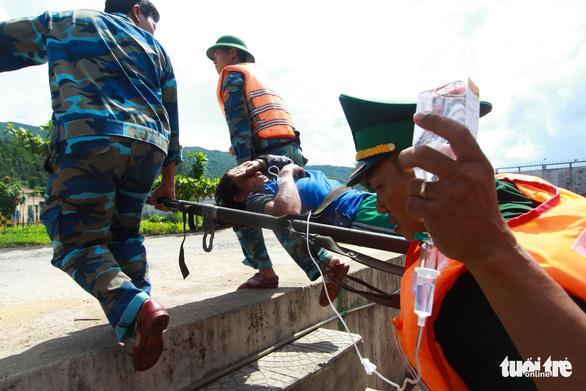 5 ngư dân ngộ độc trên biển, 1 người tử vong - Ảnh 1.