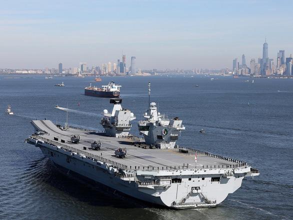 Tàu chiến Mỹ thách thức yêu sách đường cơ sở của Trung Quốc ở Hoàng Sa - Ảnh 2.