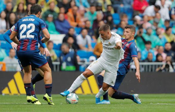 Dẫn trước đối thủ 3-0, Real Madrid suýt mất 3 điểm trong ngày Hazard ra mắt - Ảnh 3.