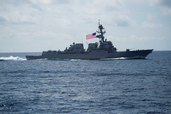 Trung Quốc lên tiếng vụ khu trục hạm USS Wayne E. Meyer của Mỹ áp sát Hoàng Sa - Ảnh 1.