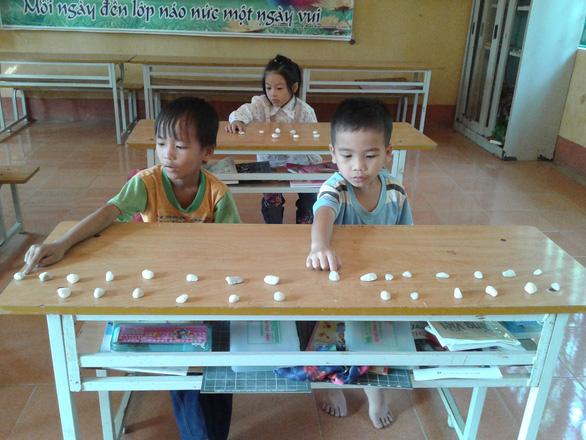 Sách tiếng Việt công nghệ giáo dục: Nói khó, hãy hỏi trẻ con - Ảnh 1.