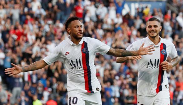 Kẻ phản loạn Neymar lập siêu phẩm phút 90 giúp PSG vững ngôi đầu - Ảnh 1.