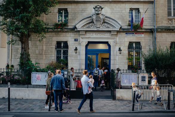 Paris lo nguy cơ nhiễm độc bởi 460 tấn chì bị cháy ở Nhà thờ Đức bà - Ảnh 2.
