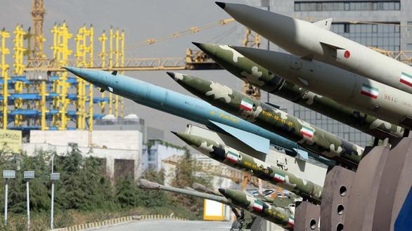 Iran tuyên bố sẵn sàng chiến tranh toàn diện với Mỹ - Ảnh 1.