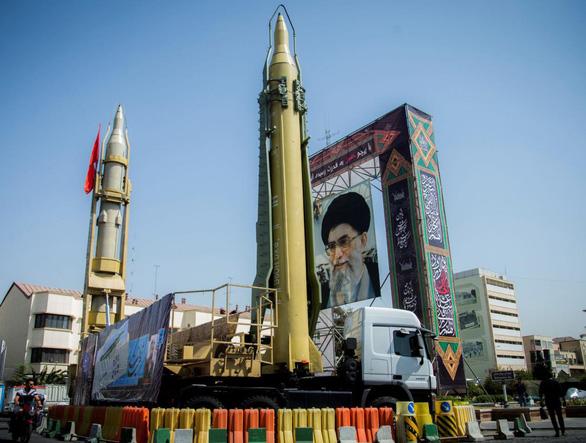 Iran tuyên bố sẵn sàng chiến tranh toàn diện với Mỹ - Ảnh 2.