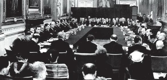Trách nhiệm quốc gia kế thừa nợ cũ - Kỳ 3: Chính phủ Đức vay và trả - Ảnh 2.