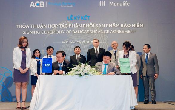 Ngân hàng Á Châu (ACB) triển khai bán bảo hiểm Manulife - Ảnh 1.