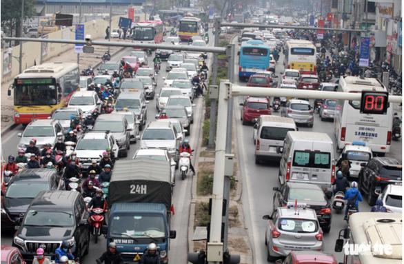 Hà Nội sẽ quản lý chặt taxi công nghệ - Ảnh 1.
