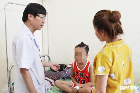 Bệnh nhi mắc bệnh whitmore sức khỏe tiến triển tốt - Ảnh 1.
