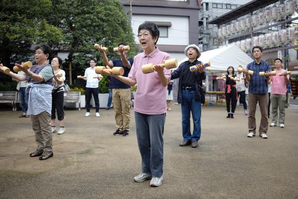 Ngày kính lão ở Nhật Bản và bài toán dân số già - Ảnh 1.