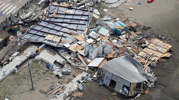1 tuần sau bão, 80.000 hộ gia đình Nhật vẫn chưa có điện - Ảnh 4.