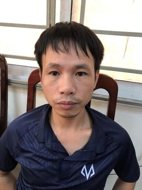 Khởi tố, bắt tạm giam người bắn pháo làm nữ CĐV bị thương ở sân Hàng Đẫy - Ảnh 2.