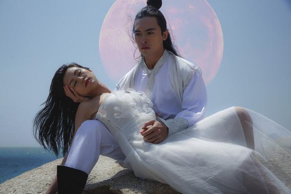 Bùi Lan Hương trở lại ấn tượng cùng Mặt trăng - Ảnh 2.