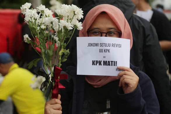 Tắc kè chống tham nhũng Indonesia lâm nguy - Ảnh 1.