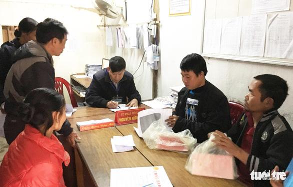 Nghệ An sẽ tạm dừng tuyển dụng cán bộ cấp xã khi sáp nhập xã, phường - Ảnh 1.