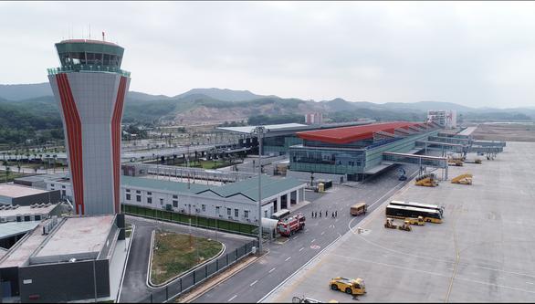 Bị sét đánh 8 lần, sân bay Vân Đồn phải bổ sung hệ thống chống sét - Ảnh 1.