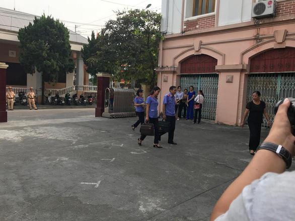Xét xử vụ gian lận thi cử tại Hà Giang: Tòa triệu tập 176 người - Ảnh 3.