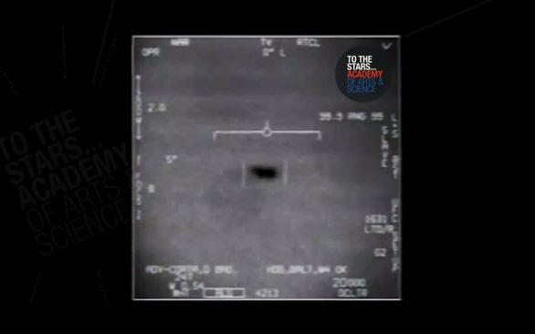Hải quân Mỹ: Vật thể bay không xác định là có thật - Ảnh 1.