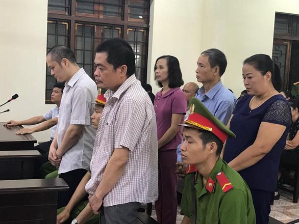 Xét xử vụ gian lận thi cử tại Hà Giang: Tòa triệu tập 176 người - Ảnh 7.