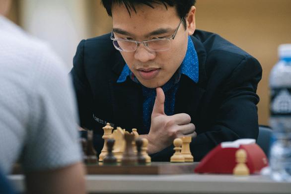 Lê Quang Liêm đánh bại đương kim vô địch châu Âu - Ảnh 1.