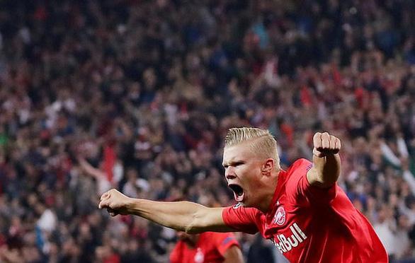 Chỉ mất một hiệp để lập hat-trick ở lần đầu đá Champions League - Ảnh 1.