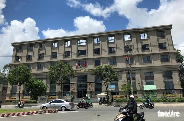 Tòa nhà văn phòng biến thành... trường quốc tế - Ảnh 1.