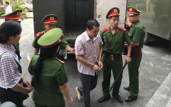Hoãn tòa, triệu tập thêm 2 nhân chứng vụ án gian lận thi cử Hà Giang - Ảnh 5.
