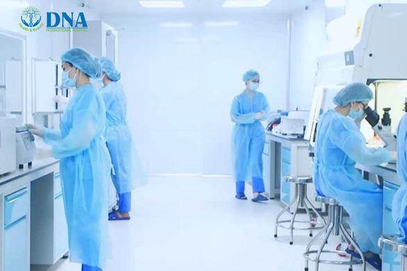Bệnh viện Quốc tế DNA đạt chuẩn Viện Tế bào gốc GMP-WHO - Ảnh 1.