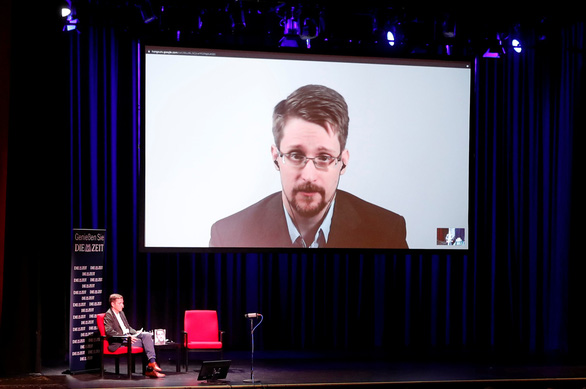 Mỹ kiện đòi tiền nhuận bút viết sách của Edward Snowden - Ảnh 1.