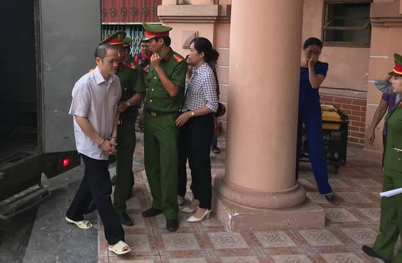 Xét xử vụ gian lận thi cử tại Hà Giang: Tòa triệu tập 176 người - Ảnh 4.