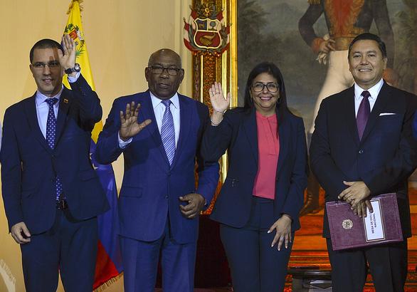 Venezuela kêu gọi Mỹ khôi phục quan hệ ngoại giao - Ảnh 1.