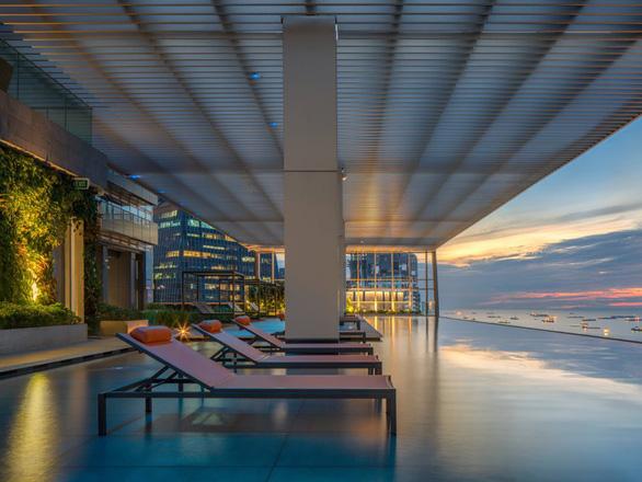Bên trong tòa nhà cao nhất Singapore có bể bơi vô cực nhìn toàn cảnh thành phố - Ảnh 15.