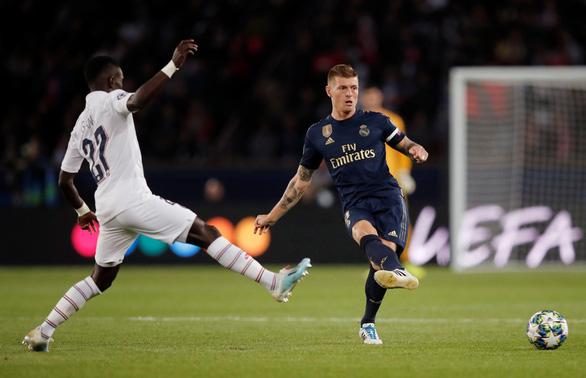 Hai lần bị từ chối bàn thắng, Real Madrid thua đậm PSG 0-3 - Ảnh 2.