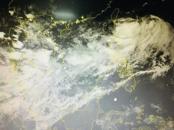 Miền Nam mưa tơi tả, nội thành Hà Nội hôm nay đón mưa dông - Ảnh 1.