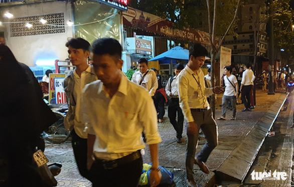 Cảnh sát khám xét trụ sở Alibaba đến rạng sáng - Ảnh 5.