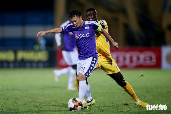Hà Nội lên ngôi vương V-League 2019 trước 2 vòng đầu - Ảnh 1.