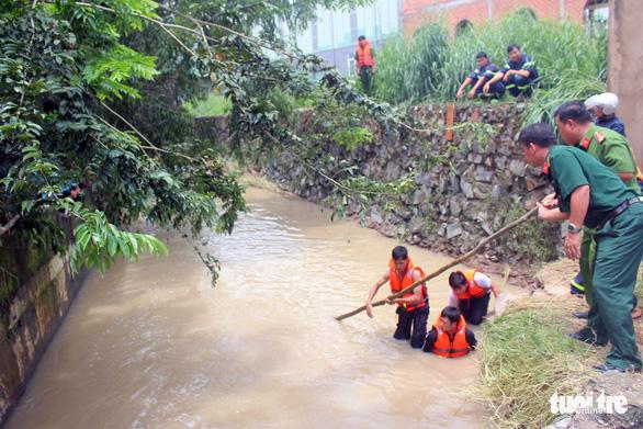 Đồng Nai: Thêm một người đàn ông bị nước lũ cuốn trôi tử vong - Ảnh 1.