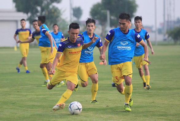 Đội tuyển U22 Việt Nam đá giao hữu với U22 UAE - Ảnh 1.