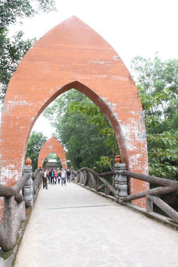 Bí mật các di sản của Quảng Nam - Đà Nẵng - Kỳ 2: Di sản Mỹ Sơn suýt chết chìm - Ảnh 3.