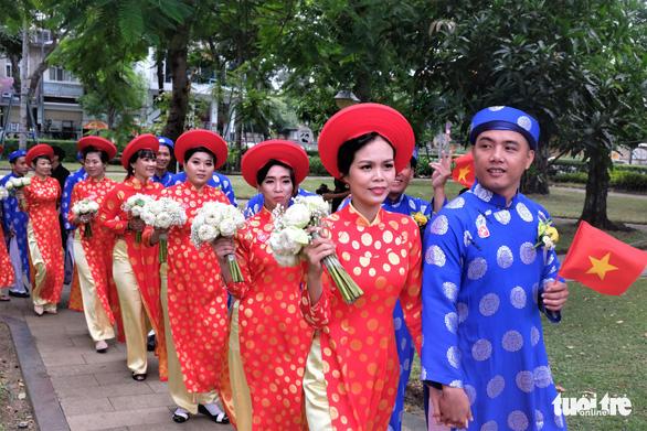Lễ cưới tập thể của 100 cặp đôi công nhân đúng ngày Quốc khánh - Ảnh 13.