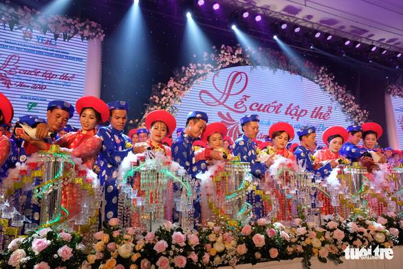 Lễ cưới tập thể của 100 cặp đôi công nhân đúng ngày Quốc khánh - Ảnh 11.