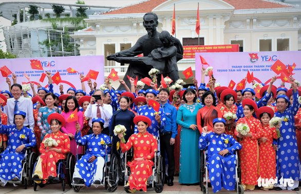 Lễ cưới tập thể của 100 cặp đôi công nhân đúng ngày Quốc khánh - Ảnh 10.