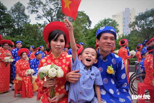 Lễ cưới tập thể của 100 cặp đôi công nhân đúng ngày Quốc khánh - Ảnh 8.