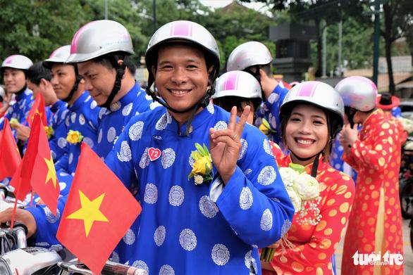 Lễ cưới tập thể của 100 cặp đôi công nhân đúng ngày Quốc khánh - Ảnh 7.